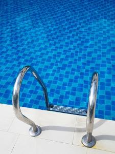 pool 600px
