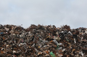 scrap-metal-trash-landfill-sm